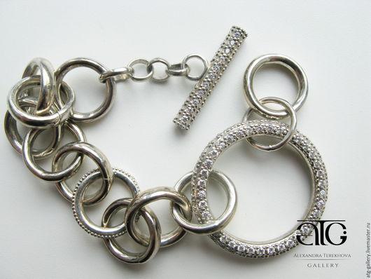Роскошный, крупный браслет из цельного серебра! Очень красивый, очень стильный!