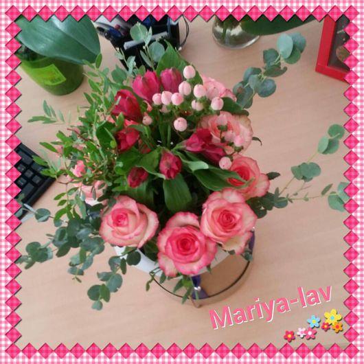 Букеты ручной работы. Ярмарка Мастеров - ручная работа. Купить Живые цветы в коробке. Handmade. Розовый, цветы, букет цветов