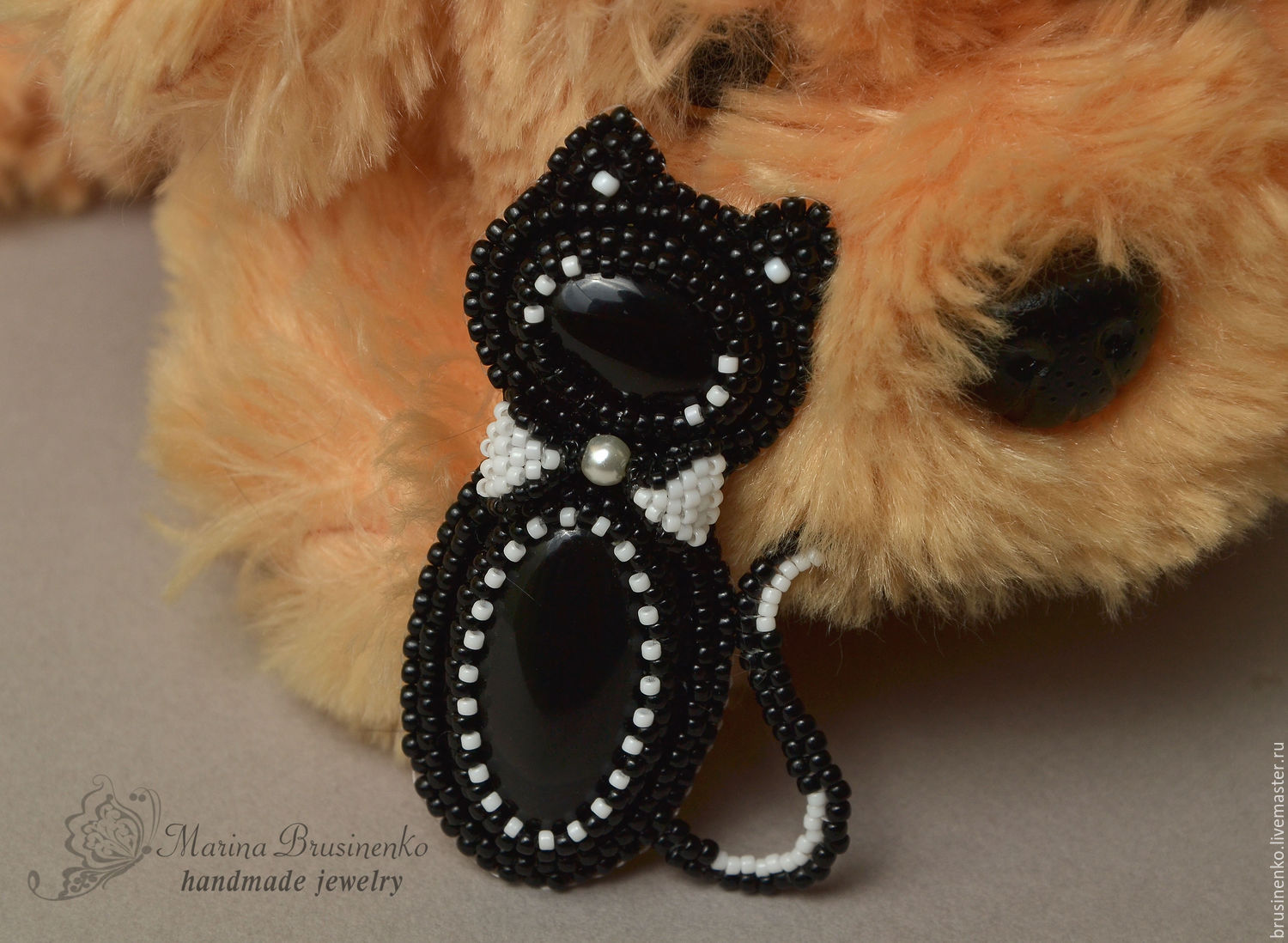 A beaded brooch with agate cat-gentleman embroidery black, Brooches, Novosibirsk,  Фото №1