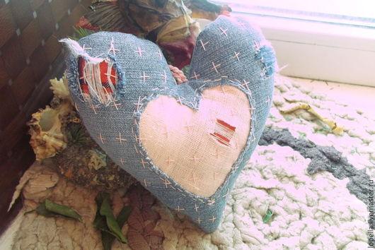 """Подарки для влюбленных ручной работы. Ярмарка Мастеров - ручная работа. Купить """"Разорванное сердце"""" из джинсы...боро-валентинка...стиль боро..... Handmade."""