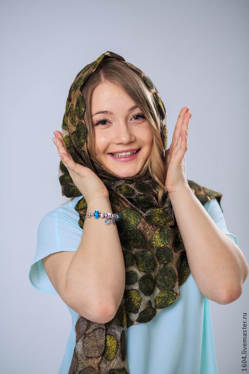 """Шали, палантины ручной работы. Ярмарка Мастеров - ручная работа. Купить шарф -палантин """"Скандинавия"""". Handmade. Болотный, шелковые волокна"""