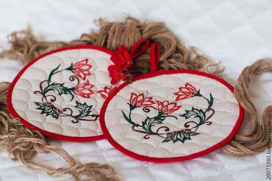 Персональные подарки ручной работы. Ярмарка Мастеров - ручная работа. Купить Подарок женщине прихватки Красные цветы. Handmade. Бежевый
