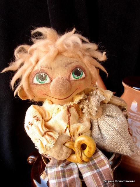 Сказочные персонажи ручной работы. Ярмарка Мастеров - ручная работа. Купить Домовой - Лохматик  (интерьерная кукла). Handmade. Домовой, пряжа