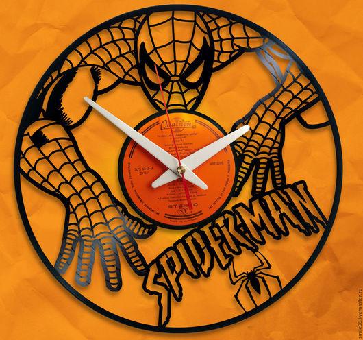 """Часы для дома ручной работы. Ярмарка Мастеров - ручная работа. Купить Часы из пластинки """"Spiderman"""". Handmade. Spiderman, часы"""