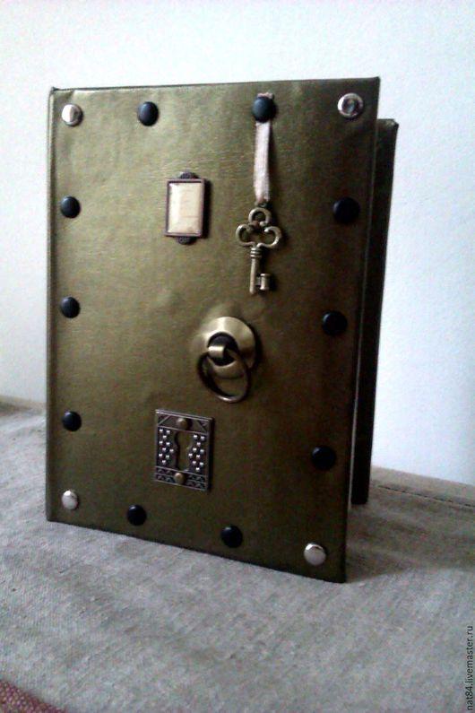 """Персональные подарки ручной работы. Ярмарка Мастеров - ручная работа. Купить фотоальбом ручной работы """"дверь"""", скрапбукинг, хендмейд, хенд-мейд. Handmade."""
