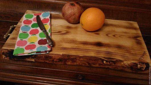 Кухня ручной работы. Ярмарка Мастеров - ручная работа. Купить Доска сервировочная большая. Handmade. Ель, латунная подвеска