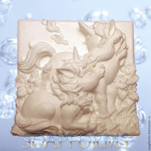 Силиконовая форма для мыла `Единорожки`
