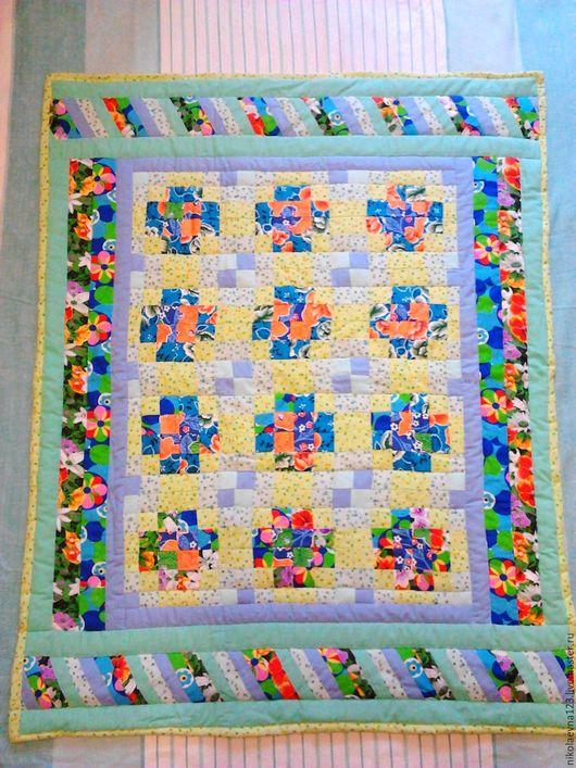 """Пледы и одеяла ручной работы. Ярмарка Мастеров - ручная работа. Купить Одеяло детское """"Весна"""". Handmade. Разноцветный, одеяло пэчворк"""