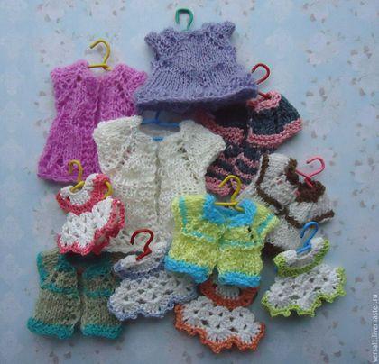"""Одежда для кукол ручной работы. Вязаные платья """"Ромашки""""для кукол и кукольного дома (масштаб 1:12). Чемодан добра (Юлия). Ярмарка Мастеров."""