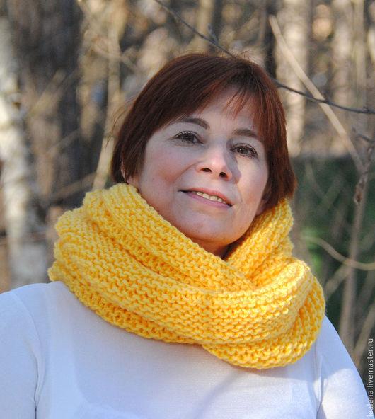 """Шарфы и шарфики ручной работы. Ярмарка Мастеров - ручная работа. Купить Снуд-шарф ярко-желтый """"Мимоза""""  ( полушерсть). Handmade."""