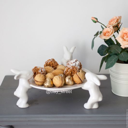 Тарелочка для радостей и сладостей `Воришки` Диаметр 22 см.  Посетите нашу страничку в Instagram ( clay_street )