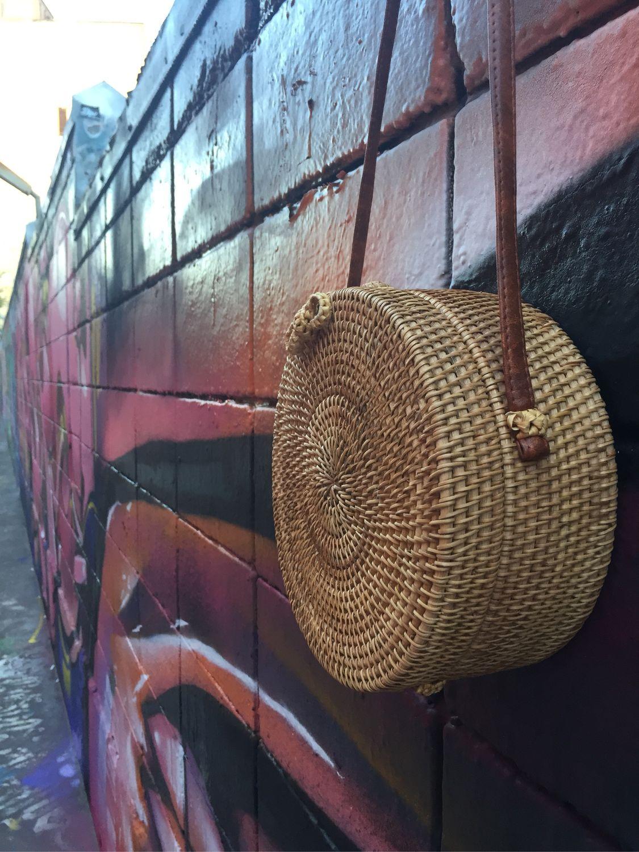Круглая деревянная сумка из ротанга