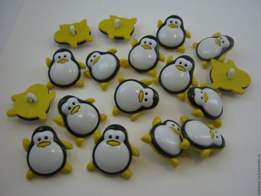 Шитье ручной работы. Ярмарка Мастеров - ручная работа. Купить Пуговица пластиковая пингвин. Handmade. Желтый, пуговицы декоративные