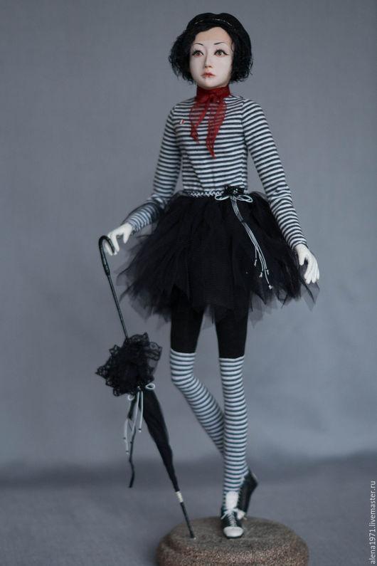 Коллекционные куклы ручной работы. Ярмарка Мастеров - ручная работа. Купить Французкий мим. Handmade. Черный, подарок на любой случай
