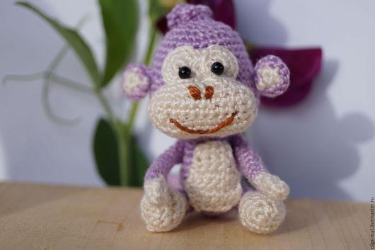 Обезьянка. Веселая, жизнерадостная обезьянка будет чудесным подарком ребенку, взрослому и себе любимому.