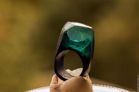 """Кольца ручной работы. Ярмарка Мастеров - ручная работа. Купить Деревянное кольцо""""Мятная ночь"""", из ювелирной смолы.. Handmade. Комбинированный"""