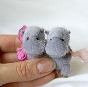 Куклы и игрушки ручной работы. Ярмарка Мастеров - ручная работа Бегемошки, микро 4 см. Handmade.