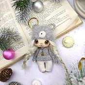 Мини фигурки и статуэтки ручной работы. Ярмарка Мастеров - ручная работа Маленькая текстильная куколка малышка мышка символ 2020 года. Handmade.