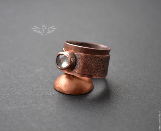 Кольца ручной работы. Ярмарка Мастеров - ручная работа. Купить Широкое медное кольцо с пренитом. Handmade. Коричневый, медь патинированная