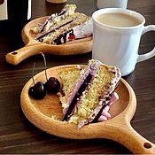 Тарелки ручной работы. Ярмарка Мастеров - ручная работа Деревянная тарелка с ручкой. Handmade.