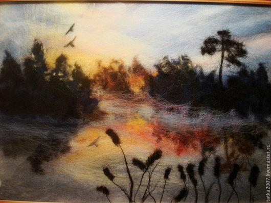 """Пейзаж ручной работы. Ярмарка Мастеров - ручная работа. Купить картина из шерсти """"Закат на озере"""". Handmade. Шерсть для валяния, закат"""