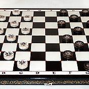 Сувениры и подарки ручной работы. Ярмарка Мастеров - ручная работа Оригинальный подарок шашки деревянные чёрно-белые Игрок. Handmade.