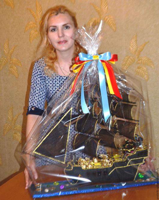 """Персональные подарки ручной работы. Ярмарка Мастеров - ручная работа. Купить Пиратский корабль """"Черная жемчужина"""" с конфетами. Handmade. Черный"""