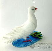 Куклы и игрушки ручной работы. Ярмарка Мастеров - ручная работа Голубь  Мира / голубь с оливковой ветвью / птица валяная из шерсти. Handmade.
