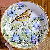 Посуда ручной работы. Ярмарка Мастеров - ручная работа Тарелка декоративная Птица и колокольчики. Handmade.