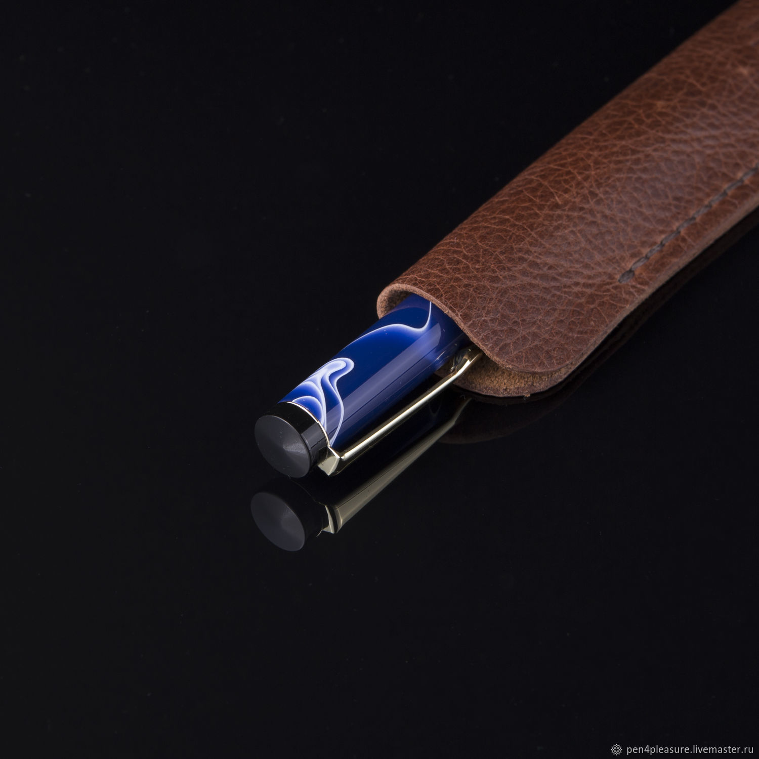 Diplomat ballpoint pen in a leather case, Handle, St. Petersburg,  Фото №1