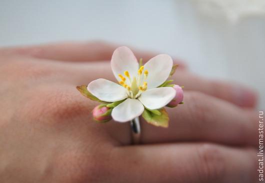 """Кольца ручной работы. Ярмарка Мастеров - ручная работа. Купить Кольцо """"яблоневый цвет"""". Handmade. Цветы из полимерной глины"""