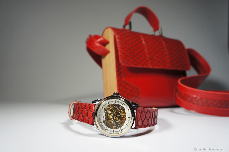 часы, часы наручные, часы женские, часы для девушки, женские наручные часы, часы на ремешке, механические часы, часики, купить часы, кожа рыбы, красный цвет