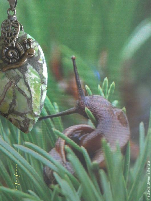 Колье, бусы ручной работы. Ярмарка Мастеров - ручная работа. Купить Сотуар Улитки в зеленой траве. Handmade. Зеленый, салат
