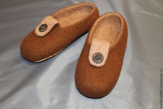Обувь ручной работы. Ярмарка Мастеров - ручная работа. Купить Валяные тапочки Деревенька. Handmade. Коричневый, войлок ручной работы