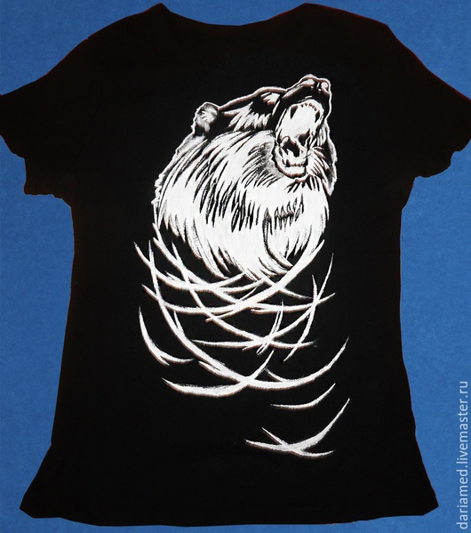 Футболки, майки ручной работы. Ярмарка Мастеров - ручная работа. Купить Мужская футболка с изображением медведя. Handmade. Чёрно-белый