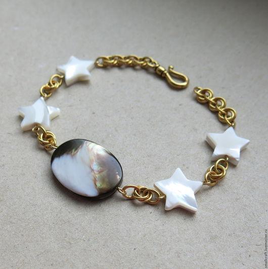 Браслеты ручной работы. Ярмарка Мастеров - ручная работа. Купить Позолоченный браслет со звёздами из натурального перламутра. Handmade. Белый