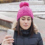 Аксессуары ручной работы. Ярмарка Мастеров - ручная работа Вязаная шапка с помпоном ярко-розового цвета. Handmade.