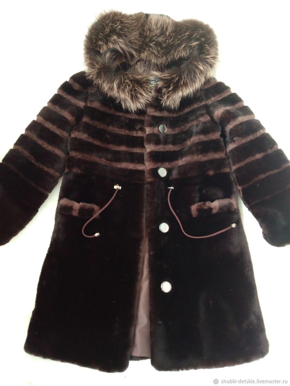 Детская коричневая мутоновая шуба 32 размера с капюшоном