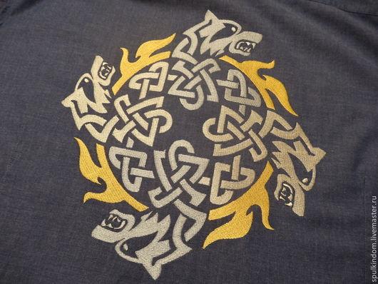 Вышивка на одежде `Кельтские волки` Вышивка на заказ. `Шпулькин дом` мастерская вышивки