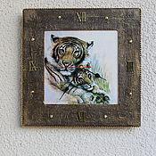 Для дома и интерьера handmade. Livemaster - original item Watch classic: Square Clock with a Tiger. Handmade.