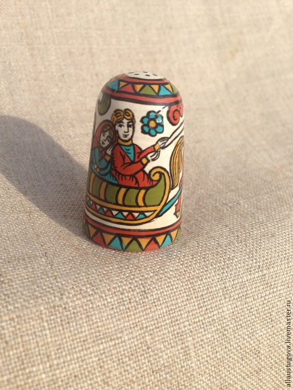 Thimble wood collectible 'Wedding train', Souvenirs3, Zaraysk,  Фото №1