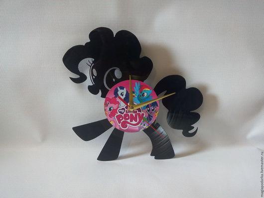 """Часы для дома ручной работы. Ярмарка Мастеров - ручная работа. Купить Часы из виниловой пластинки """"My little pony"""". Handmade."""