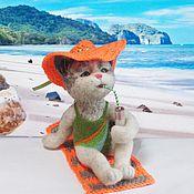 Куклы и игрушки ручной работы. Ярмарка Мастеров - ручная работа Кошка Ариша на пляже Интерьерная валяная игрушка. Handmade.