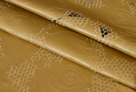 Натуральная кожа с вышивкой для клатчей