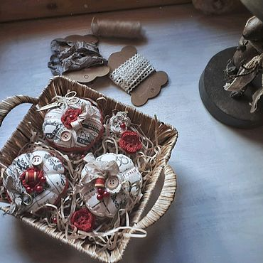 Куклы и игрушки ручной работы. Ярмарка Мастеров - ручная работа Текстильные игольницы в стиле шебби.Тильда-игольницы.. Handmade.