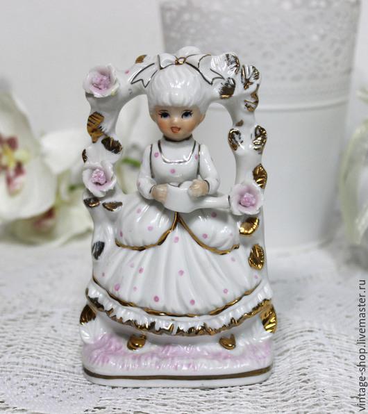 """Винтажные предметы интерьера. Ярмарка Мастеров - ручная работа. Купить Фарфоровая статуэтка """"Девочка цветочница"""", Германия. Handmade. Белый, девочка"""