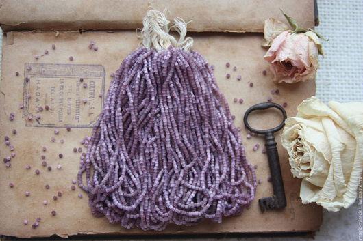 Для украшений ручной работы. Ярмарка Мастеров - ручная работа. Купить Антикварный cатиновый бисер - lavender satin. Handmade. Винтаж
