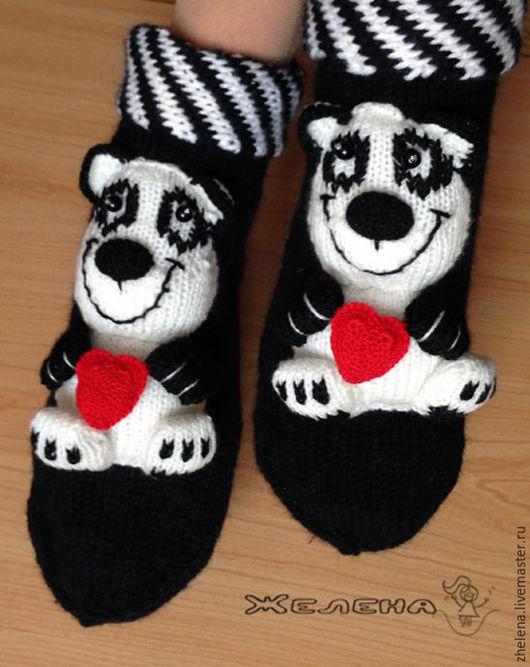 """Обувь ручной работы. Ярмарка Мастеров - ручная работа. Купить """"От всей души! Панды"""" . Вязаные носкотапки. Handmade. Чёрно-белый"""