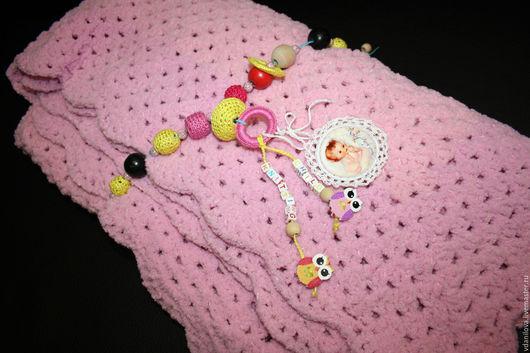 Текстиль, ковры ручной работы. Ярмарка Мастеров - ручная работа. Купить Детский Плюшевый Плед с развивающими элементами вязаный крючкомРозовый. Handmade.