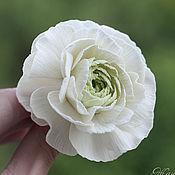 Свадебный салон ручной работы. Ярмарка Мастеров - ручная работа Шпилька для волос Белый ранункулюс из полимерной глины Для невесты. Handmade.